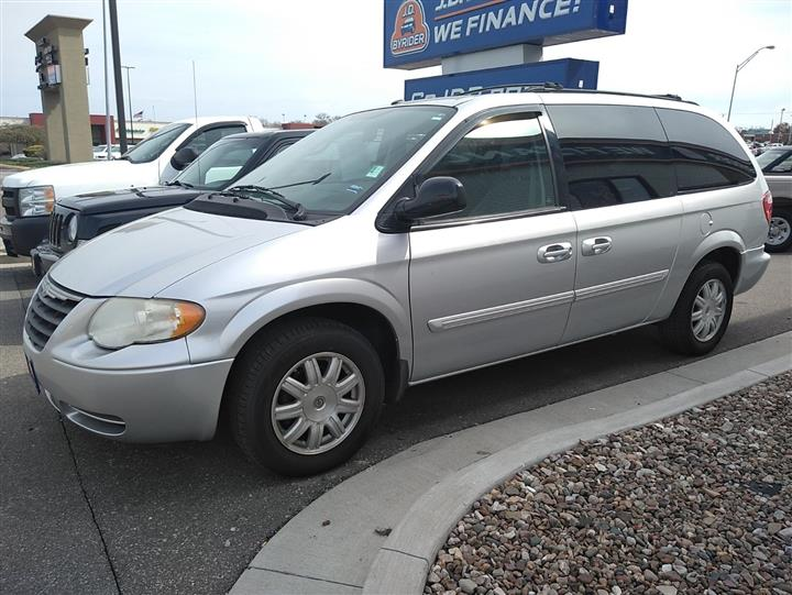 2007 Chrysler Town and Country LWB Touring