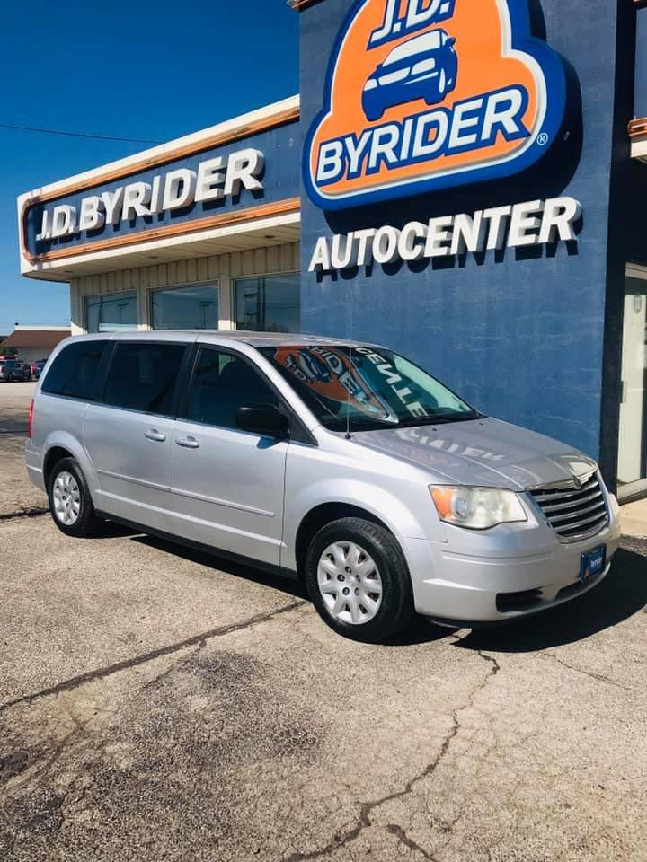 2009 Chrysler Town and Country LX