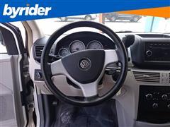 2010 Volkswagen Routan S